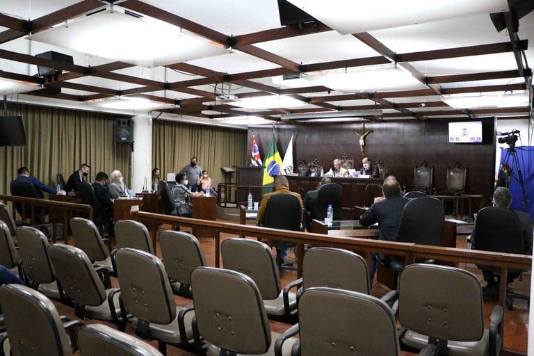 Câmara de Jaboticabal aprova obrigatoriedade do uso de máscara transparente para estabelecimentos comerciais