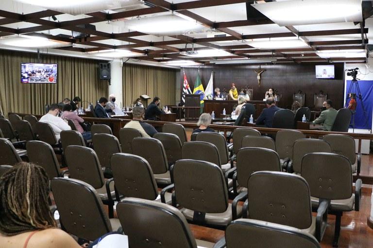 Plenário aprova LDO para 2022 e mais seis projetos em sessões ordinária e extraordinária