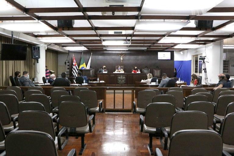Plenário da Câmara Municipal de Jaboticabal aprova dez projetos em sessão ordinária