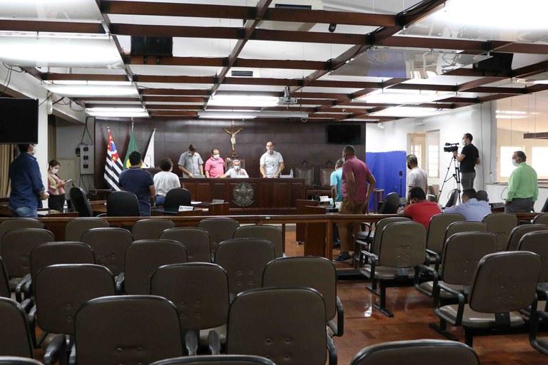 Plenário rejeita PL que alterava dispositivos da Estrutura e Quadro de Servidores do Poder Legislativo Municipal