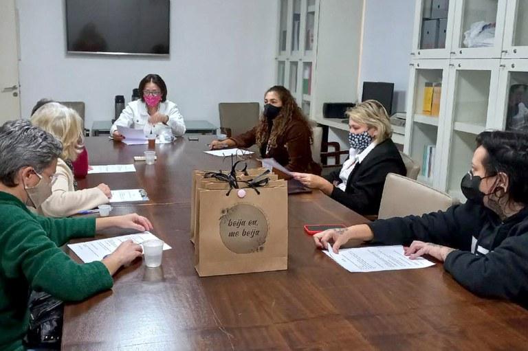 """Presidente da Câmara e vereadoras discutem junto ao Movimento """"Elas Apoiam Elas"""" ações em benefícios das famílias de Jaboticabal"""