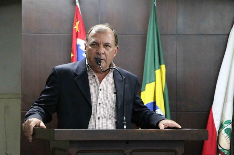 Wilsinho Locutor cobra mais funcionários e segurança no cemitério de Jaboticabal
